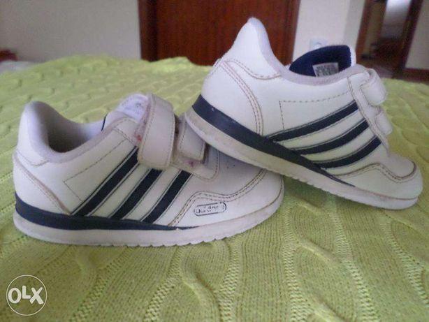 Sapatilhas / ténis Adidas 26
