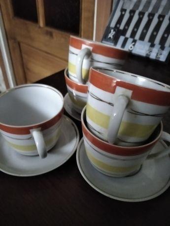Продам чашки чайные с блюдцами