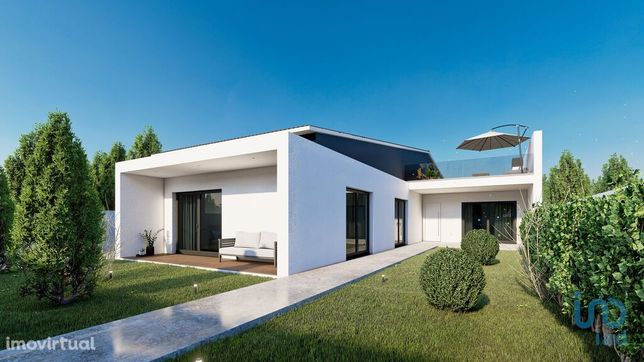 Moradia - 377 m² - T3