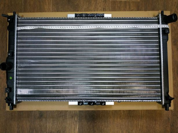 Радиатор основной охлаждения Ланос Деу Daewoo Lanos AC c кондиционером