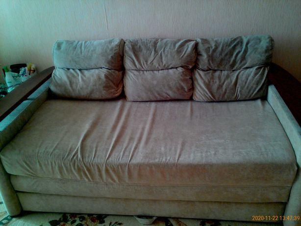 Очень вместительный диван