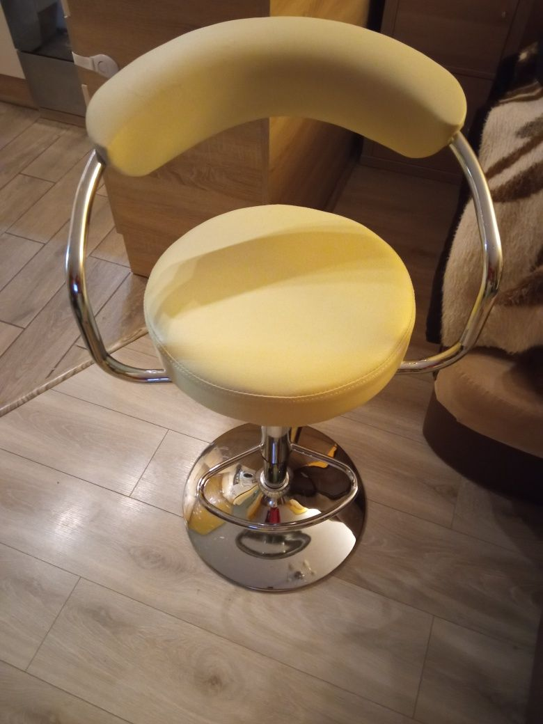 Hoker , stołek barowy