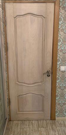 Двері із натурального дерева б/у