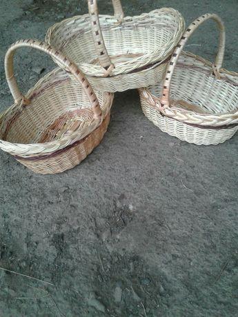 Кошики для пасхи і продуктів