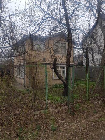 """Дача на """"Осокорках"""" возле м.Славутич"""