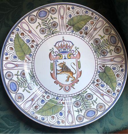 Pratos decorativos de louça de Conimbriga