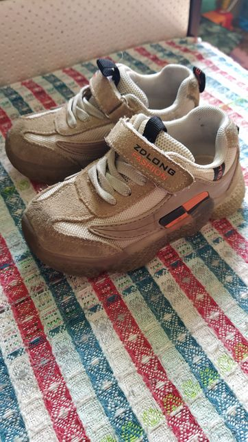 Крассовки кроссовки 28 размер замша+ортопедические стельки.