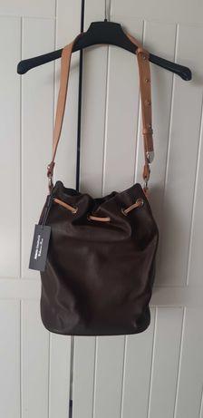 Klasyczna torba/worek w brązowych tonacjach