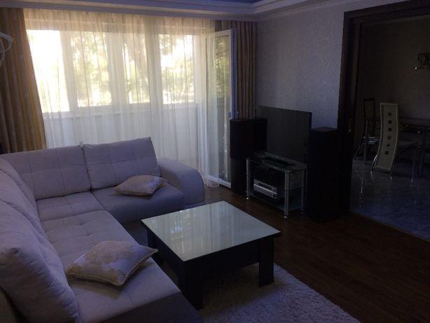 Продам 3 х комнатную квартиру с Евроремонтом с мебелью ,аудио -видио т
