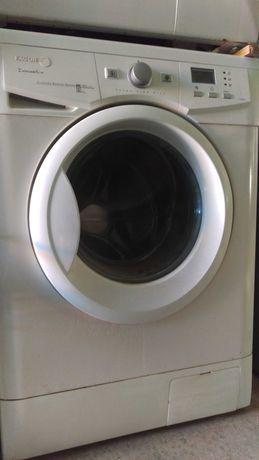Máquina de lavar roupa .usada 8 kilos 160€ com  garantia