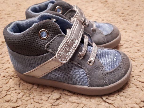 Демисезонные ботинки кроссовки Clarks 22 размер