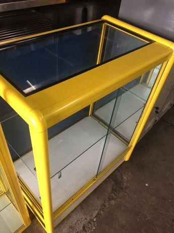 Móvel expositor tipo balcão horizontal em aluminio