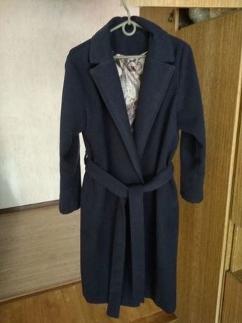 Пальто на запах темно-синее