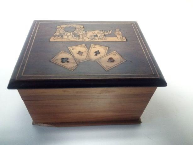 Linda antiga caixa de cartas em madeira com embutidos