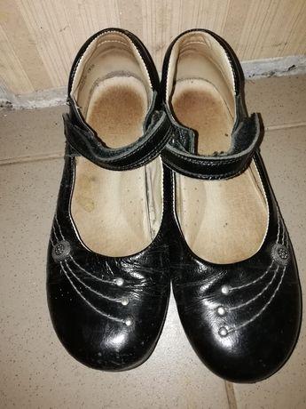 Туфельки школьные туфли