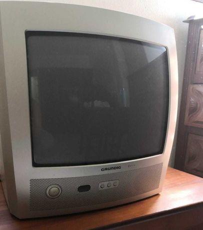 Televisão Grundig a funcionar em pleno