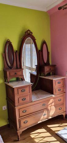 Mobilia de quarto- ARTE NOVA