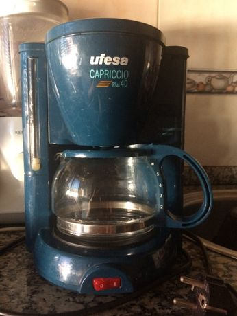 Máquina de café eléctrica - UFESA Capriccio Plus 40
