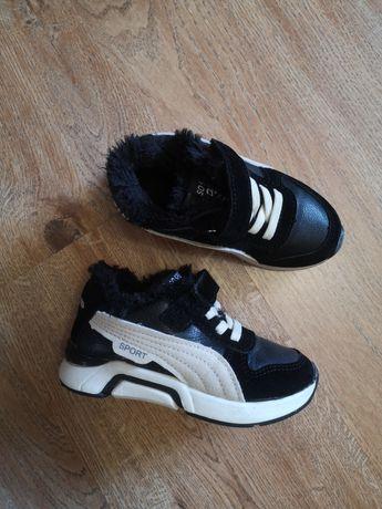 Дитячі кросівочки