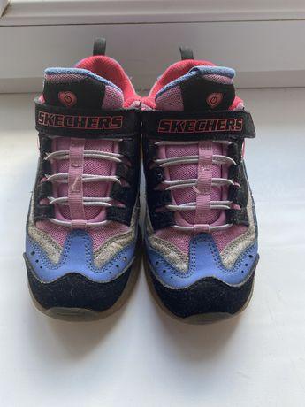 Продам кроссовки Skechers