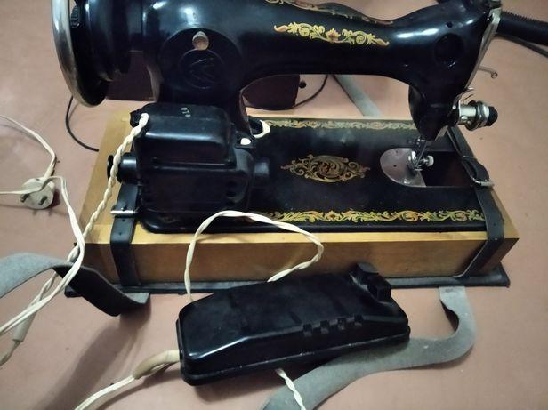 Продам електро швейную машинку