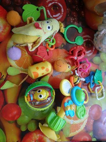 Подвески на коляску игрушки развивающие Детские игрушки погремушки 0+