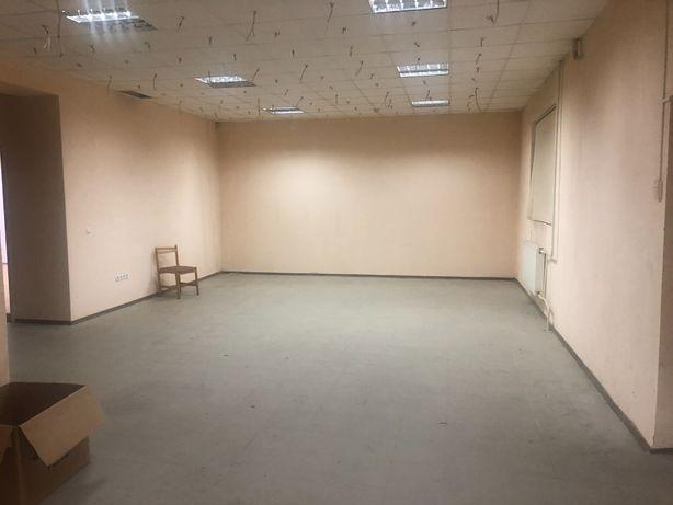 Продається квартира з можливістю використання під комерцію