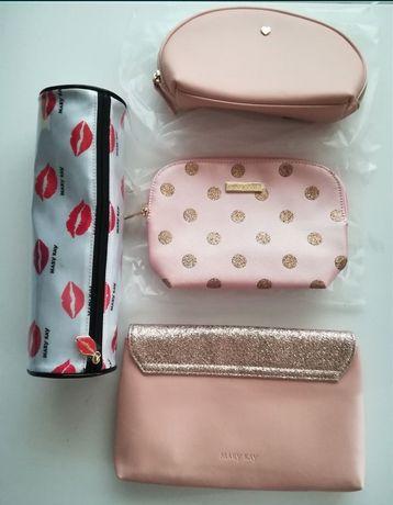 Zestaw kosmetyczki kosmetyczek na podróż na kosmetyki damskie nowe