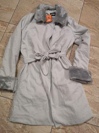 Nowy płaszcz flauszowy