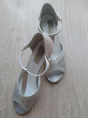 Złote skórzane sandałki rozmiar 37, wkładka 23.5cm, obcas 7cm