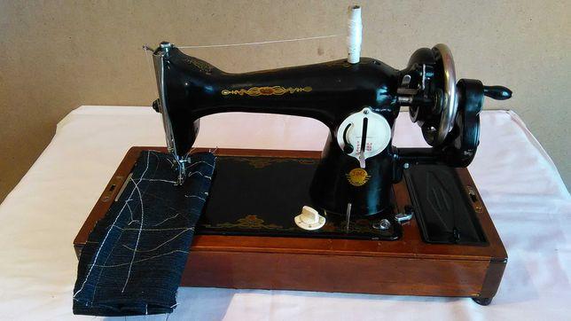 Ручна швейна машинка