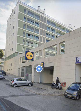 Alugo loja Benfica - Galeria comercial LIDL