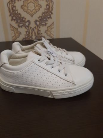 Белые кеды кросовки