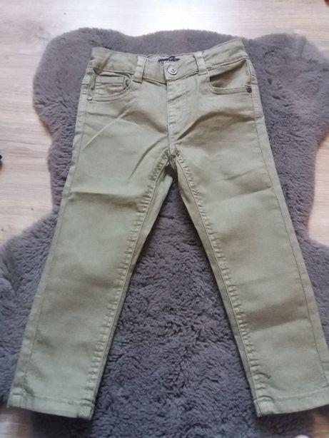 Spodnie typu slim z elastycznej tkaniny RESERVED, r. 98