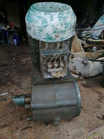 Електромотор з редуктором