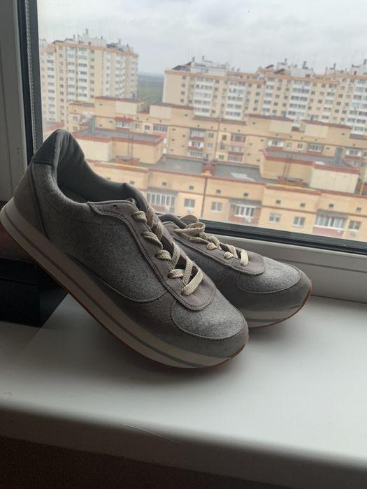 Кроссовки в идеале, 38-39 размер.теплые, супер удобные! Без дефектов Одесса - изображение 1