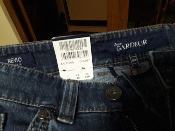 Новые брендовые мужские джинсы 33 р