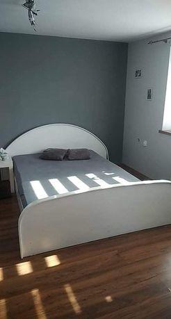 Łózko sypialniane