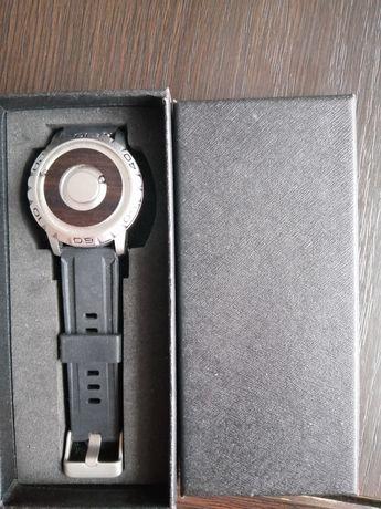 Nowy zegarek magnetyczny /kulkowy