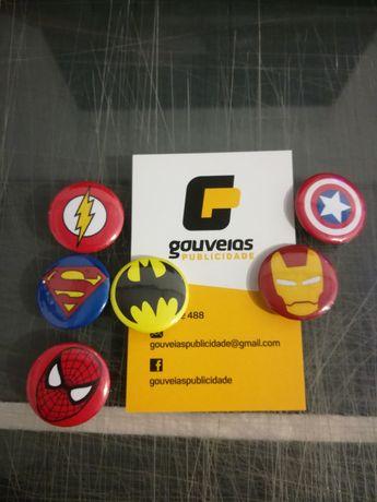 Crachás pins super heróis