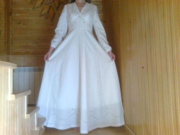 Suknia ślubna haftowana ręcznie