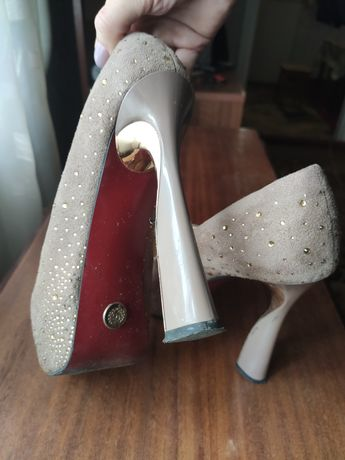 Туфли женские Бежевые замшевые туфли