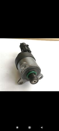 Клапан регулятор давления топлива Виваро трафик 1.9
