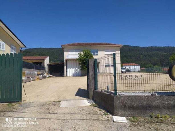 Armazém  Venda em Carregosa,Oliveira de Azeméis