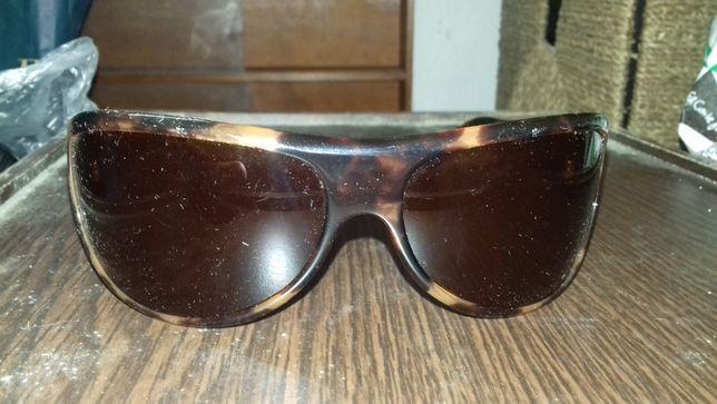 Oculos de senhora CK