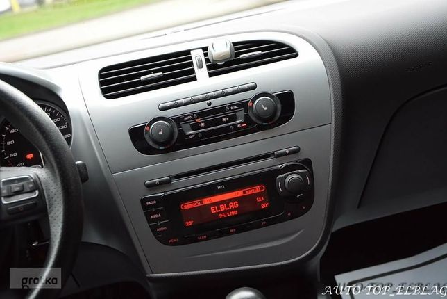 Seat Leon 2 1p 2011r radio CD ramka oryginal