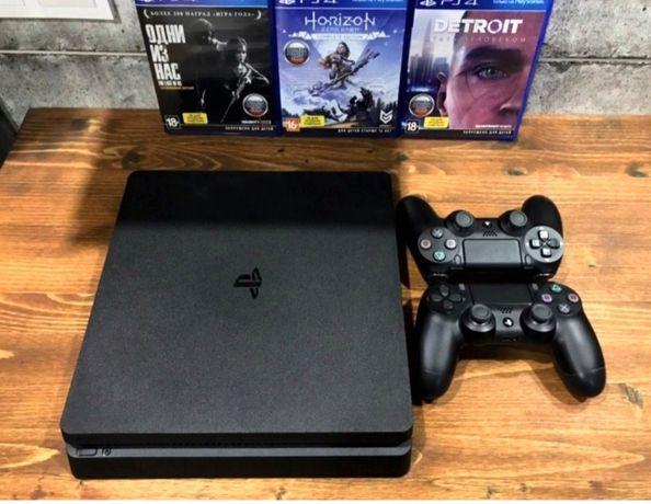 PS 4  1 Tb  + 3 игры