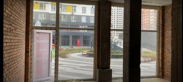 Комерційне приміщення під салон краси 71 м2.Новий та розвинений район.