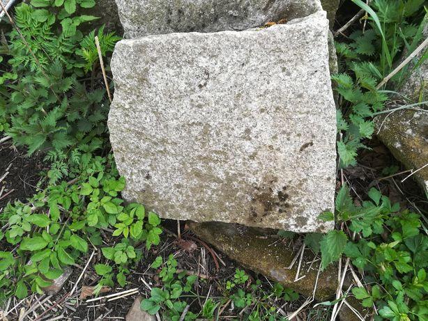 Kamień granitowy murowy nieregularny