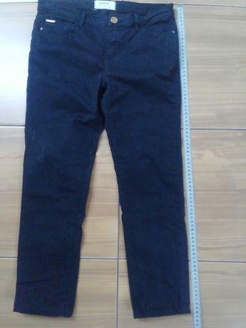 Spodnie czarne, jeansy. Stradivarius rozmiar 36.